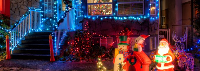 house adorned in christmas lights | avoiding electrical accidents at christmas | Unified Electrical
