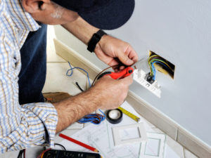 narellan electrician wiring a powerpoint | Unified Electrical
